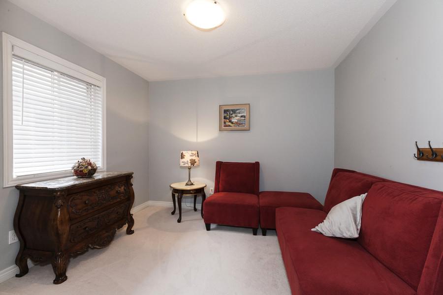 Bedroom 3/Den at 2049 Woodgate Drive, Oakville