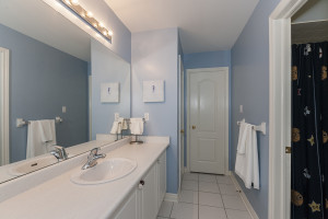 Shared Washroom between second and third bedroom